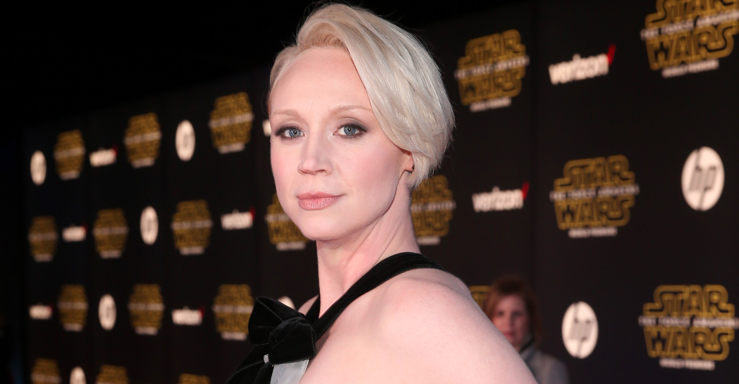 stormtrooper-gwendoline-christie-is-making-a-fool-of-everyone-who-said-shes-too-tall